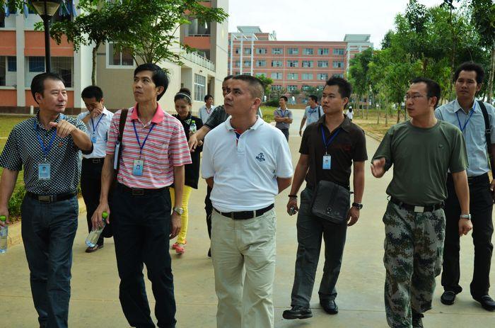 海南省工业学校新闻--海南省商业学校一行到我校参观